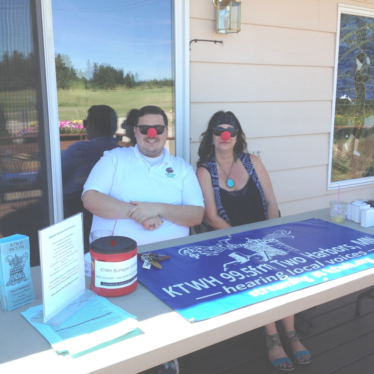 Intern Andrew and Mychele Anderson supporting our Golf Scramble, July 29, 2016