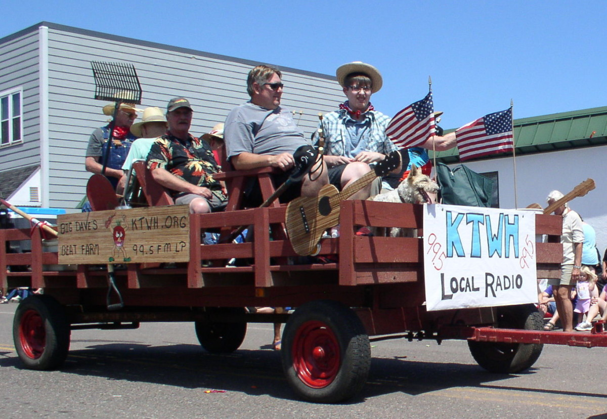 KTWH makes an appearance at Heritage Days parade 2016